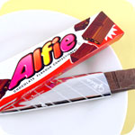 Glico Alfie Chocolate with Biscuit Pieces