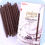 Glico Pejoy Reverse Cookie & Cream Sticks