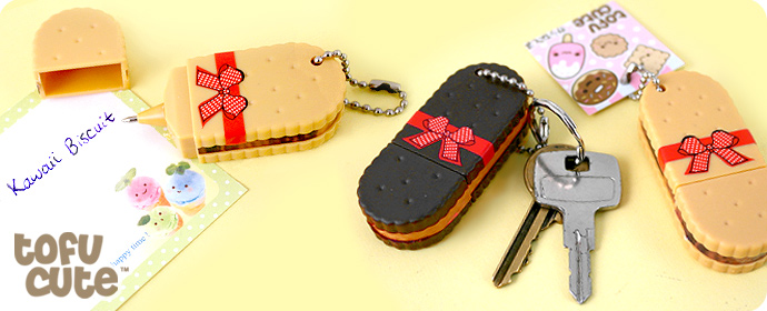 Kawaii Biscuit Keychain with Pen